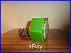 Telechron Daphne green Catalin Bakelite Electric Clock 3F53 Art Deco