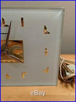 Vintage ART DECO GENERAL ELECTRIC GE Model #5F50 ELECTRIC CLOCK Glass Mirage