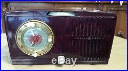 Vintage Burgundy Art Deco 1952 General Electric Model 515F AM Tube Clock Radio